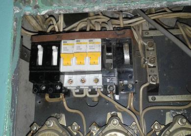 Электрик на Академгородок, недорого, срочно. Без выходных